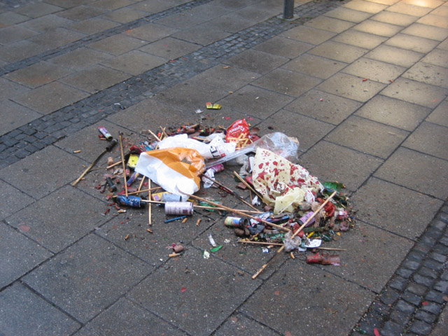 I think think picture illustrates perfectly why I like Germany. They let you have a little fun but then it all gets cleaned up in neat little piles by the next morning.
